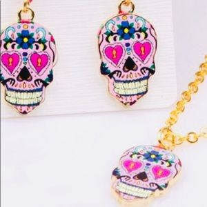 ADORABLE SUGAR SCULL EAR RINGS &MATCHING NECKLACE